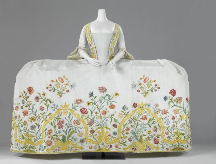 Платье-панье (Рейксмузеум, Амстердам)./Фото: museumslifestyle.files.wordpress.com